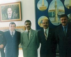 Dönemin Bayburt Valisi Ali Haydar Öner ve diğer il yöneticileri.